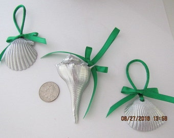 Bridal Shower Favors, Set of 3 Real Seashells painted Silver with bows, You choose the ribbon color, Gifts for Bridesmaids, Wedding Souvenir