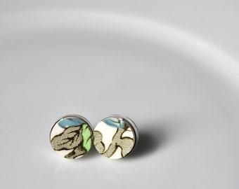 ETSYVERSARY SALE Simple Circle Sterling Silver Broken China Stud Earrings - Indian Tree