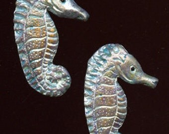 Lot of 2  Polymer   Seahorse Cabs SHR 2