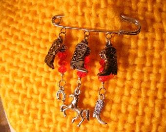 Southwest Cowgirl Kilt Pin.........Lot 420162