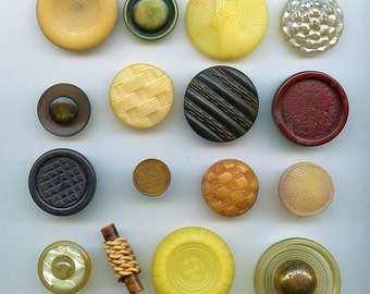 Lot of (15) CELLULOID PLASTIC Buttons All Different Variety Gold, Neutrals Colors Large 2484