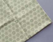 Christmas Flakes - Mist Grey - Moda Folk Art Holiday - Half Metre - Snowflakes - Destash Fabric