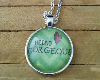 Necklace 'Hello Gorgeous' Looking Glass