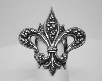Silver Ox Fleur De Lis Ring, Flower Of the Lily, Lovely Stylized Lily, Great Form and Symbolism, Adjustable, Handmade, Metal Bonded, USA