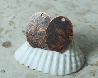 Hand hammered antique copper oval drop dangle size 20x14mm, 2 pcs (item ID XW02442ACD)