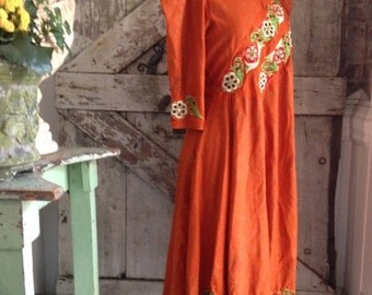 Sale 1970s tunic 70s dress festival dress size medium Vintage dress ethnic dress puff sleeve dress
