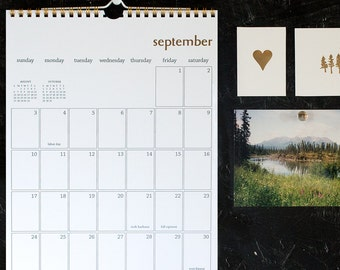 2017 simple gold wall calendar