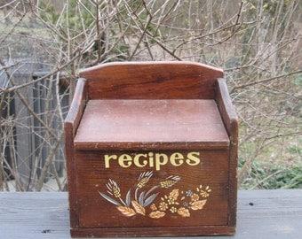 Vintage Wooden Recipe Box - Recipe Storage