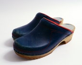 Vintage Clogs Navy Blue with Red Detail 7