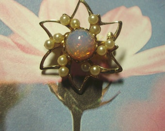 Vintage Gold Tone Opal Like Faux Pearl Brooch Pin Unsigned Beauty ID 123