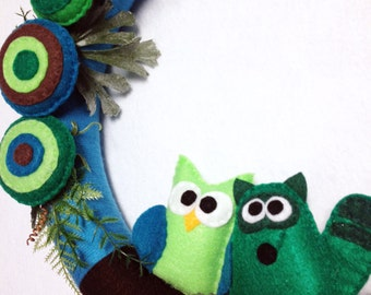 Yarn Wreath, Owl and Raccoon Wreath, Fern Gully - Felt Animals, Lush Forest, Teal, Green