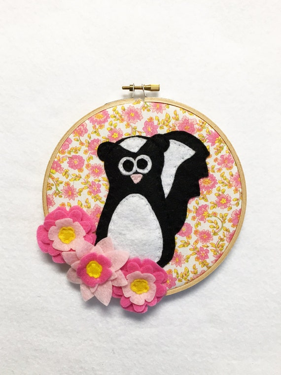 Flower Wall Art, Embroidery hoop Art, Fabric Wall Art, Kenneth the Skunk - Good Smelly, Nursery Decoration