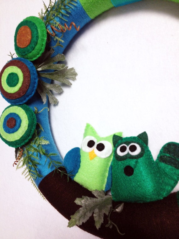 Forest Wreath, Owl and Raccoon Wreath, Fern Gully - Felt Animals, Yarn Wrapped, Housewarming Gift