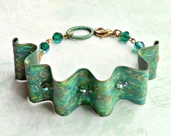 Textured Brass Ribbon Bangle Bracelet