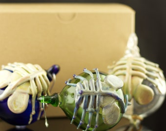 Facehugger Hand Blown Ornament in You Choose the Color, Made to Order