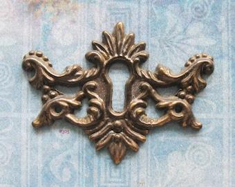 Wing Escutcheon Antique Brass Keyhole Filigree Skeleton Key Plate Repurpose Jewelry Hardware Finding