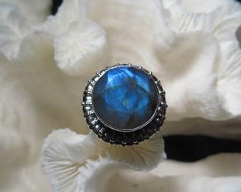 Beautiful Labradorite Ring Size 8