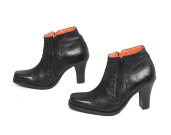 size 7.5 PLATFORM black leather 80s 90s WESTERN zip up ankle boots