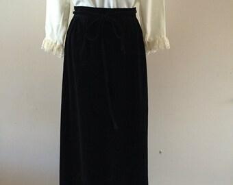 Black Velvet Maxi Skirt Vintage 1960s Sz M