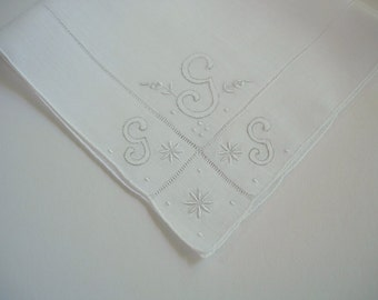 Vintage Initial G Hanky Hankie With Hand Embroidery - Handkerchief