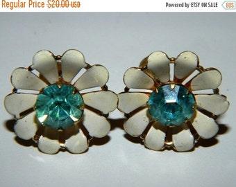 Sale Vintage Coro Daisy Flower Screw Back Earrings, Teal & White Rhinestone, Metal Floral Earrings
