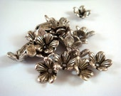 20 Antique Silver Bead Cap Flower Plated Alloy LF/NF/CF 10x3mm - 20 pc - F4127BC-AS20