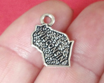 4, WISCONSIN, USA, State Charm United States of America (double sided) 13x16mm ITEM:AW49
