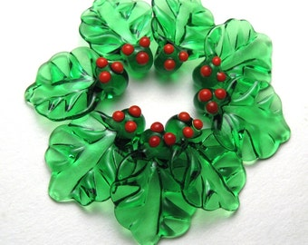 CHRISTMAS HOLLY Emerald Green Lampwork Glass Leaf Beads with Red Berries like a wreath