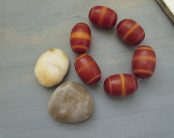 large red oval resin bead, opaque semi matte tone with striped motif, faux amber, statement chunky  indonesian 20 x 28-29mm (6 beads)6bb20-2