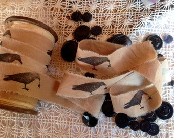 Primitive Distressed Muslin Hand Stamped Ribbon Trim - Crow Holding Star