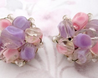 vintage pink and purple givre plastic bead cluster clip on earrings signed Hong Kong hallmark - j6193