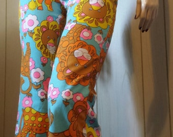 Vintage 70s Groovy MOD King of the Jungle LION Novelty Print Big Kitty Pants wOw! XS