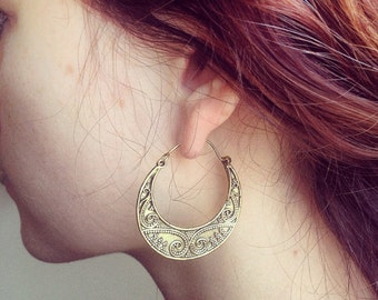 Gold Hoop earrings,Bohemian Jewelry,BOHO EARRINGS,Tribal Brass earrings,Ethnic minimalistic, earrings,Spiral jewelry gift for her YH106