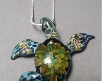 Leather Backs Sea Turtle Swimming endangered species series help save the turtles