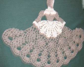 "Crochet Crinoline Pilgrim lady, Grey and white, 13"" wide x 10"" tall"