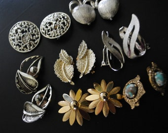 Boho vintage 70s, lot of the 7 set ,assorted clip on earrings. Made by Sarah Coventry.
