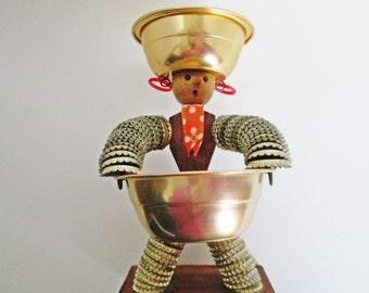 Americana Folk Art Bottlecap Man snack server Tiki Barware, Bottle Top Man Lady Metal Tramp Art Wooden Brewania rustic sculpture figure dish