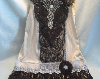 BIG Fall Sale 35% Off FLAPPER Gatsby Downton Abbey 1920s Costume Roaring 20s Speakeasy - Black and Sand Color