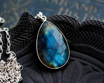 Labradorite Necklace, Labradorite Pendant, Blue Labradorite, Sterling Silver, PoleStar Jewelry, Labradorite Gemstone, Gemstone Jewel