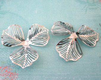 10 Large Three Leaves Flexible Jewelry Making Findings In Silve Or Bronze Color
