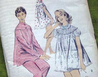 1950s Vintage Sewing Pattern Shortie Baby Doll Pajamas / Advance 7818 / Size 12  UNCUT FF