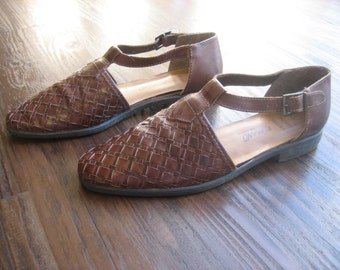 SALE Vintage Woven Leather T Strap Sandals ROMANO Brand