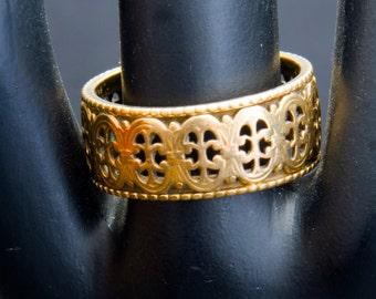 New York special vintage 14kt gold ring