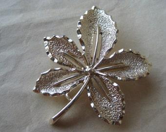 Leaf Gold Brooch Pin Vintage Sarah Coventry