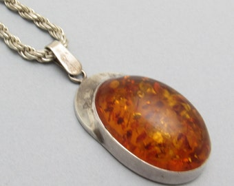 Large Sterling Amber Pendant C7176