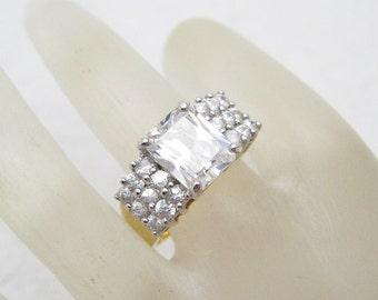 Rhinestone Ring Vintage Costume Jewelry Size 11 R7032