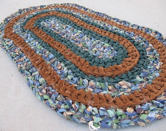 Brown green speckled crocheted oval rag rug, eco friendly, washable, bath mat, kitchen rug, rust, kitchen decor, home decor, bedroom rug
