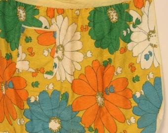 Vintage Flower Power Terry Cloth Half Apron, Groovy Apron, Retro Apron, Bright Floral Apron, Daisy Apron, Hostess Apron, Vintage Kitchen