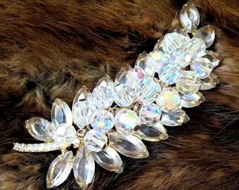 JULIANA Clear Rhinestones Brooch with Crystal Aurora Borealis Dangles – Vintage Verified D&E