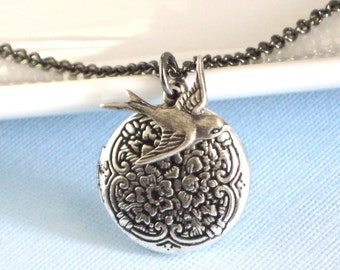 Small Silver Bird Locket Necklace, Bird Jewelry, Nature Jewelry, Nature Necklace, Keepsake Jewelry, Silver Locket, Girl Locket